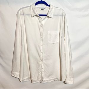 White Classic Fit Old Navy Button Down Top